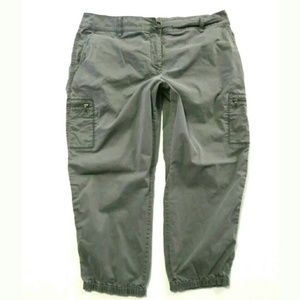 Eileen Fisher cargo Capri cropped gray pants